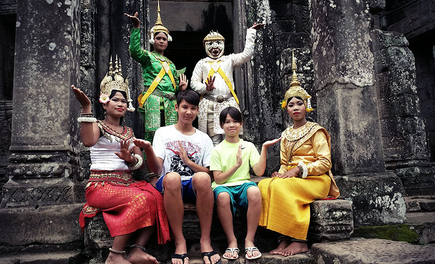Family tour in Angkor