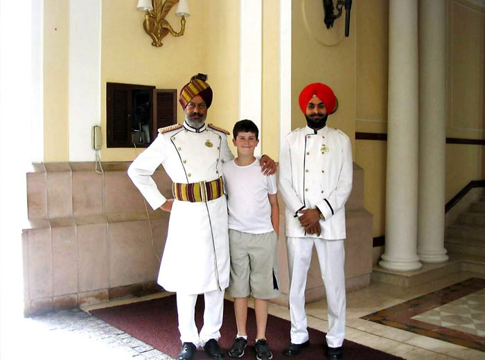 Child on family tour of India
