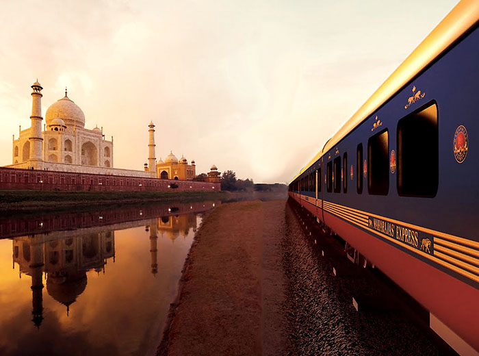 Maharaja express at Taj Mahal
