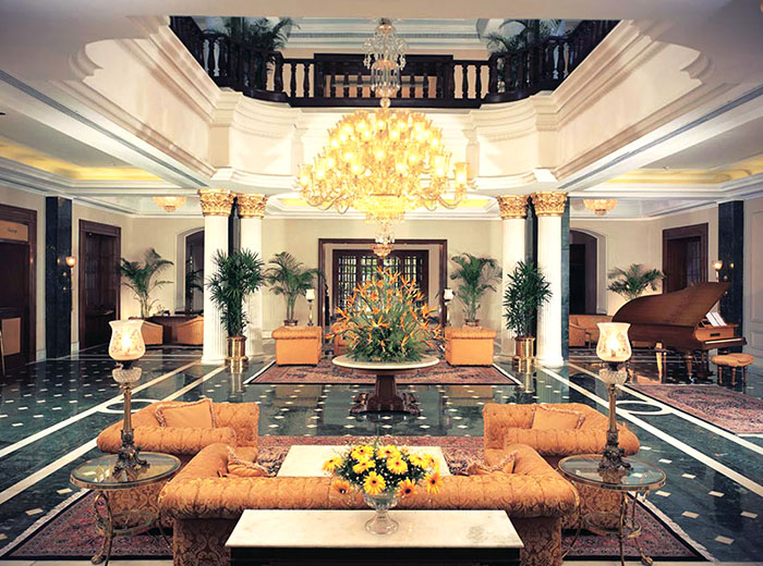 Entry of Oberoi Luxury Hotel in Kolkata, India