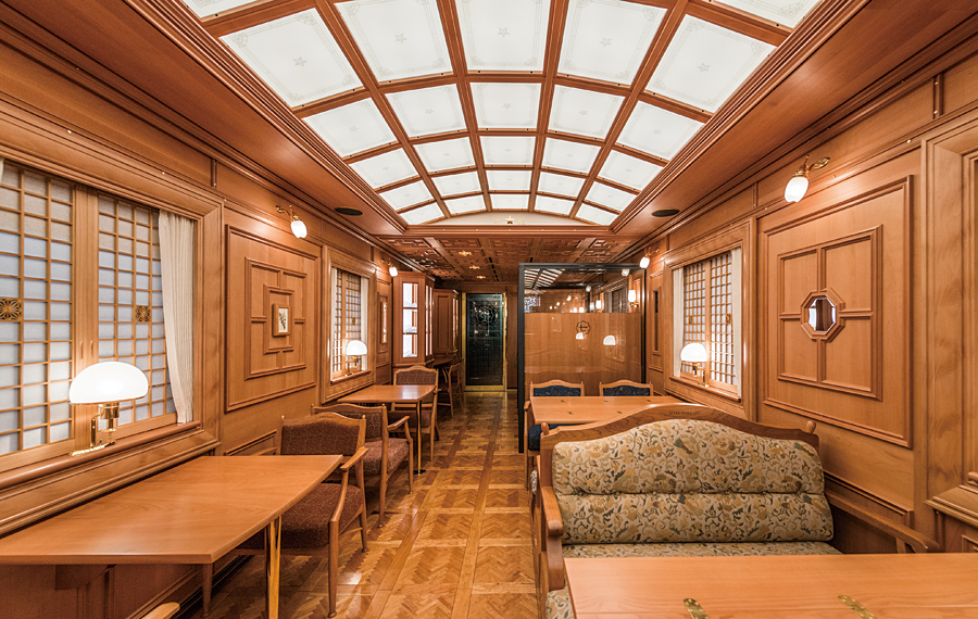 Seven Stars Luxury train Kyushu Japan dining car