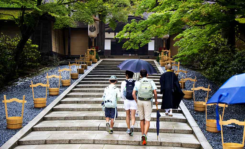 Family tour of Mount Koya, Japan