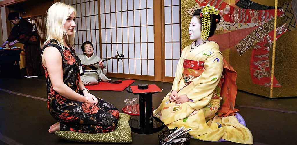 Geisha encounter in Kyoto, Japan