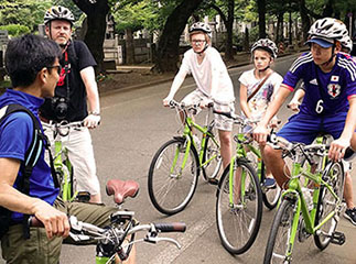Family cycling tour of Tokyo, Japan
