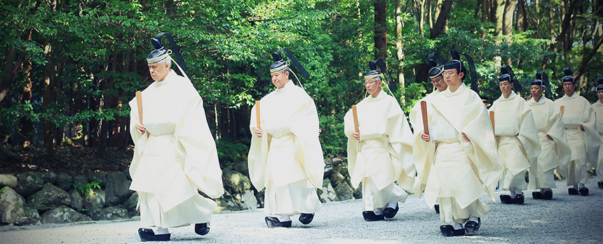 Iise Shrine procession
