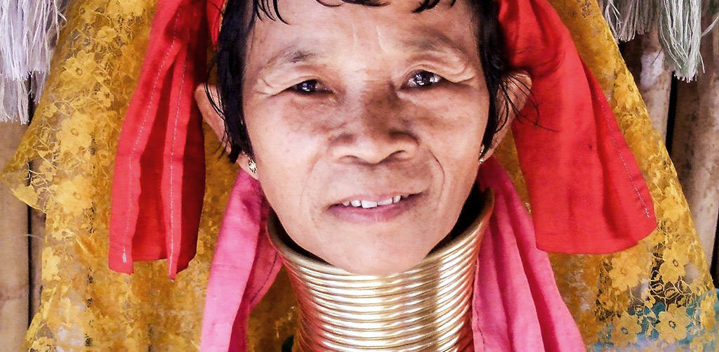 Paduang hilltribe woman in Inle Lake, Myanmar