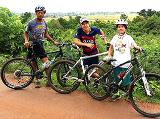 Family cycling tour of Inle Lake, Myanmar