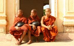 Bagan Monks