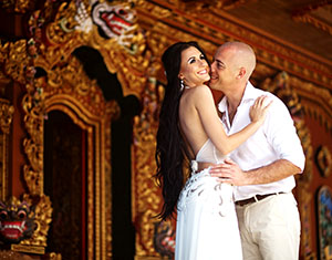 Honeymoon couple at temple in Thailand