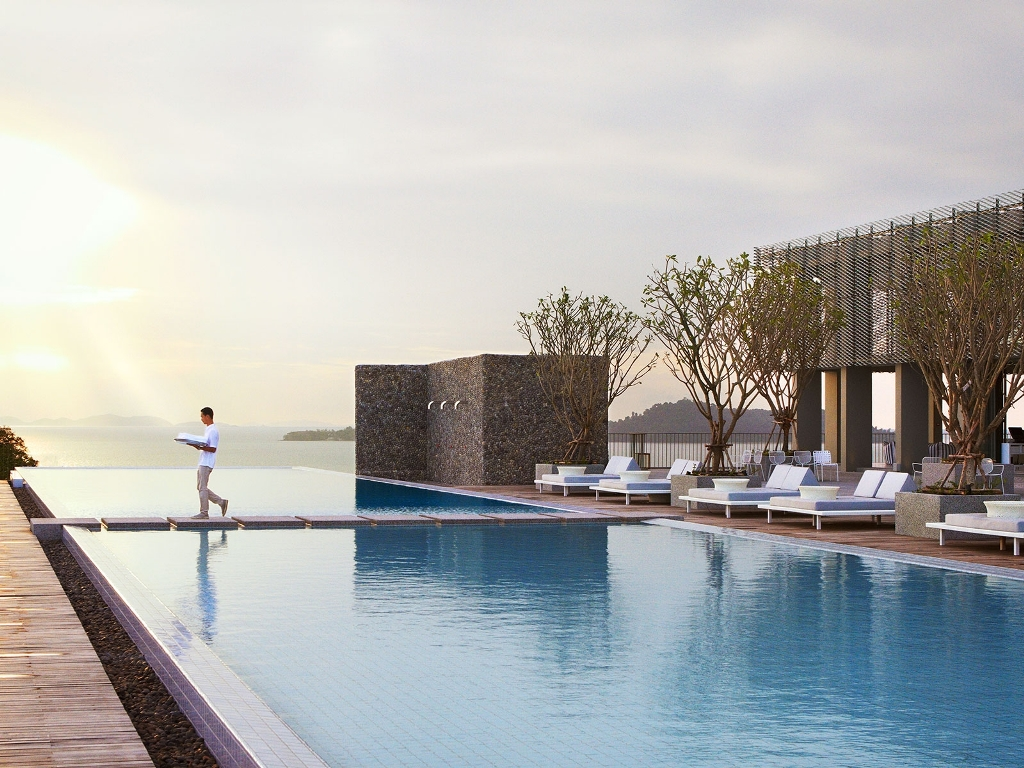 Amanoi luxury resort pool and ocean view