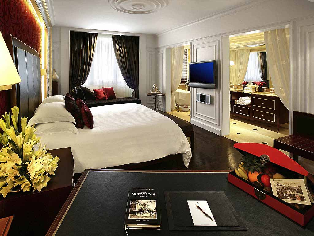 Opera Wing Grand Premium Room with Club Metropole benefits and king-size bed