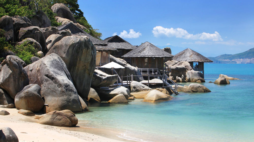 Oceanfront bar and lounge at the Six Senses Ninh Van Bay