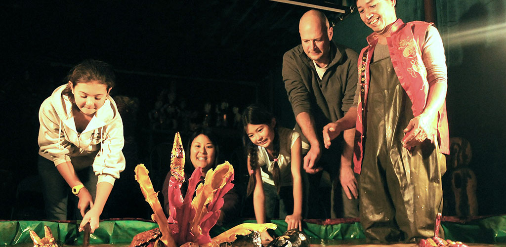 Private water puppets family tour Hanoi, Vietnam