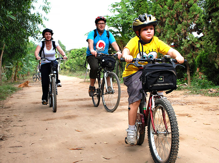 Family cycling tour in Vietnam