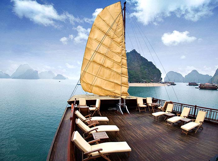 Private Luxury Charter, Halong Bay