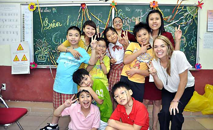 Teaching English in Vietnamese classroom