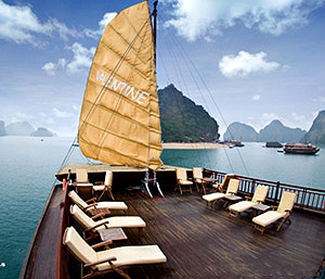 Valentine Halong Bay Tour