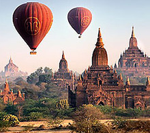 Baloons over Bagan floating